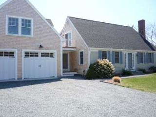 SPACIOUS, ATTRACTIVE HOME BEAUTIFULLY LAID OUT FOR YOUR FAMILY VACATION, Edgartown