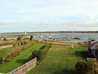BEAUTIFUL WATERFRONT CAPTAIN'S HOUSE W/CENTRAL AIR, Edgartown