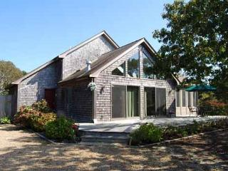 OPEN AND AIRY HOME WITH A LOVELY SCREENED IN PORCH, Edgartown