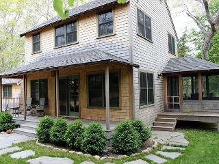 Beautiful Home Within Walking Distance To Town, Vineyard Haven