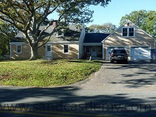 Newly renovated 4 bedroom Chilmark home with in-ground pool, Falmouth