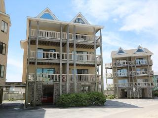 Island North 9 - Relax and decompress at this North End ocean view condo, Carolina Beach
