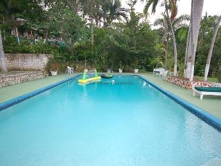 Spyglass Hill - Montego Bay 4BR, Hopewell
