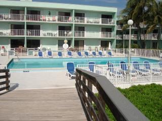 This Oceanfront Resort Has It All!!!, Key Colony Beach