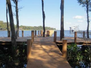 10%OFF/SLEEPS 17/WATERFRONT/ PRIVATE LOT 6bed,2Doc, Palatka
