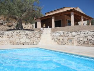 New 2 bedroom Villa with Shared Pool, Giarratana