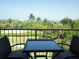 Punahele A301-2 Bedroom with a loft and 3 bathrooms and a spectacular view!, Kailua-Kona