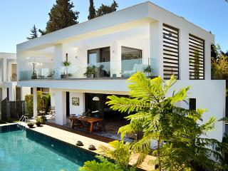 455-Ortakent Luxury Villa for 8 persons