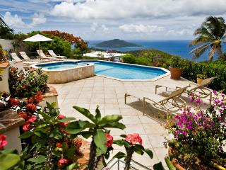 Set on a breezy knoll, a couple minutes' drive from Magens Bay Beach. MA GAR, Peterborg