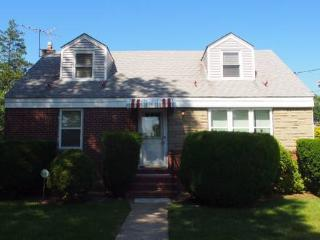 Marvin House Near Hofstra, Uniondale
