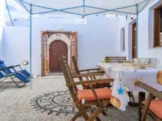 Amazing Traditional house in Lindos 'villa Dafnes'