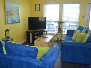 CIP202 Stylish Waterfront Condo, Boatslip, Fishing, Near Beach & Schlitterbahn!, Corpus Christi
