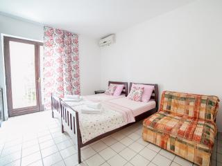 Studios Mona- Studio with Balcony (3 Adults) 4, Sveti Stefan