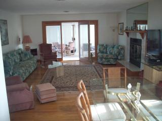 Oceanfront 3 bedroom, 2 bath condo, Ocean City