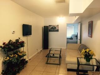 Apt 933  1 bedroom 150 feet from the beach, Fort Lauderdale