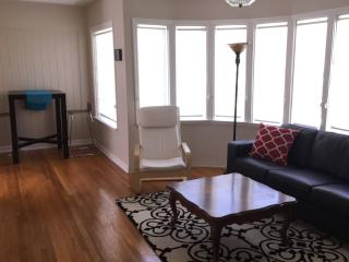 Santa Monica 5 mins to BEACH (unit C)