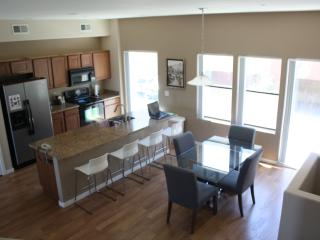 Townhome, 3 bedrooms, 2.5 bathrooms, Sleeps 6, Phoenix