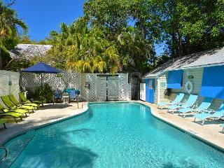 TROPICAL VILLAGE 6 Homes w/ Pvt Pool & BBQ Grill. Great For Large Parties!, Key West