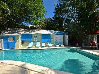 POOLSIDE @ TROPICAL VILLAGE - Studio for 2 w/ Shared Pool. Close to ATL Ocean, Key West
