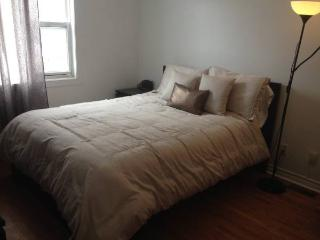 Ideal 2 Bd Downtown Ottawa by Flatbook