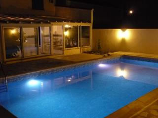 Luxury Villa Rated 4* - Private Pool - 5 min Beac, Canet-en-Roussillon