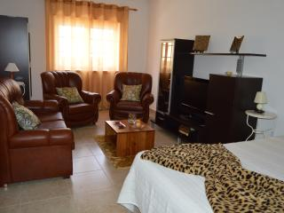Surf City Apartment, Peniche