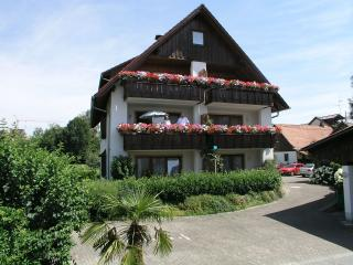 Vacation Apartment in Wasserburg - 495 sqft, 1 bedroom, up to 4 people (# 7364)