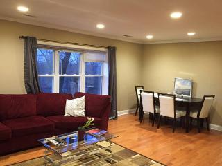 Beautiful 3BR/2BA &reserved parking, Boston