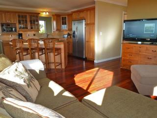 Private 3BR Upcountry Renovated Home w/ Views, Makawao