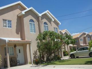 Townhouse for Rent - Long-term or short-term, Portmore
