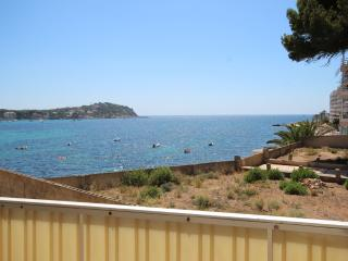 Front line 2 bedroom apartment, Santa Ponsa