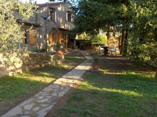 OLD STONE HOUSE IN TUSCANY, WITH LARGE GARDEN, Loro Ciuffenna