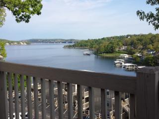 Lake of the Ozarks Condo with great view of Lake, Osage Beach