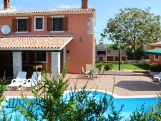 VILLA ANGELINA WITH SWIMMING POOL AND FITNESS, Vodnjan
