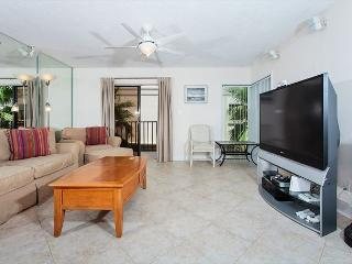 Beachcomber 301 Furnished with pool near Mayo Clinic Jacksonville, Jacksonville Beach