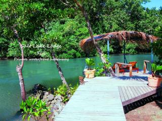 Salt Lake Lodge Stylish holiday home on the water., Savusavu