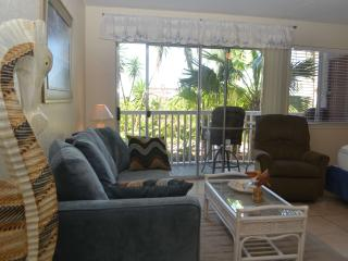 CMH106 Waterfront, Close to Schlitterbahn & Beach, 1st Floor, Boatslip, Fishing!, Corpus Christi