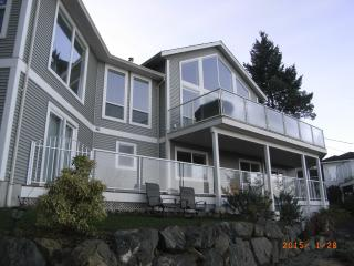Nanaimo Ocean View B&B; one queen bed suite