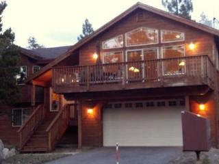 Luxury Home! Sleeps(10+)! Pool Table! Poker Table!, South Lake Tahoe