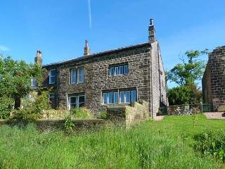 ELMET FARMHOUSE, stone-built, woodburner, stylish accommodation, near Hebden Bridge, Ref 918960, Pecket Well