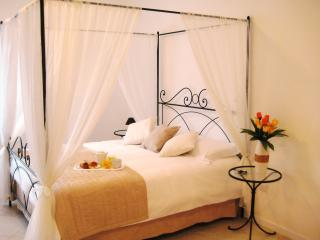 Deluxe Bedroom Assisi with Cromotherapy, Cannara