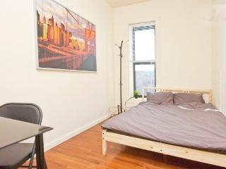 Clean a bedroom in Manhattan 9B, New York City