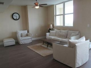 Luxury furnished 2br Apt in One Broadway Brickell, Miami