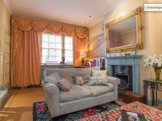 3 bed 3 bath mews house in Knightsbridge, minutes from Harrods, London