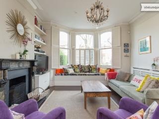 5 bed house on Wrentham Avenue, Queen's Park, Londen