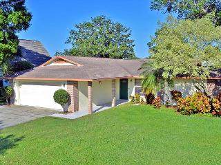 Bradenton lakefront vacation rental home with heated pool