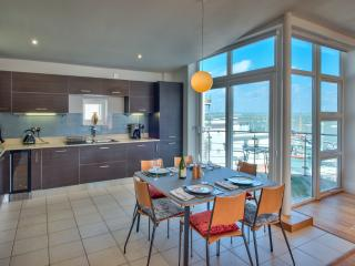 The Penthouse, 35 Marinus, Cowes