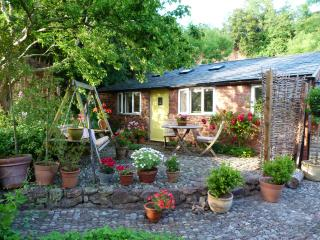 Charming stone cottage in Quantocks and Exmoor, Stogumber