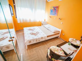 Apartments Milunović - Classic Double Room, Kotor