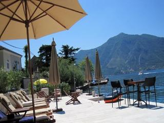 Villa Nikcevic - Twin Room with Pool View 2, Kotor